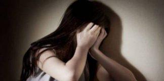 fată de 15 ani abuzată