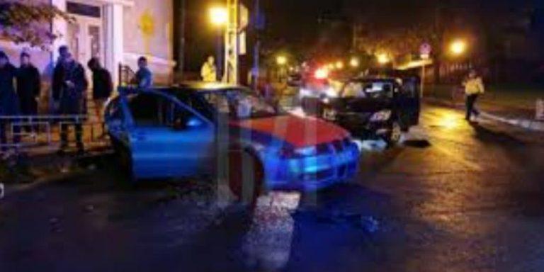 O mașină a poliției implicată într-un accident rutier!