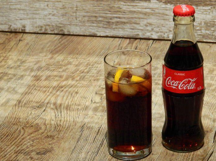 Coca-Cola și sucul de mere