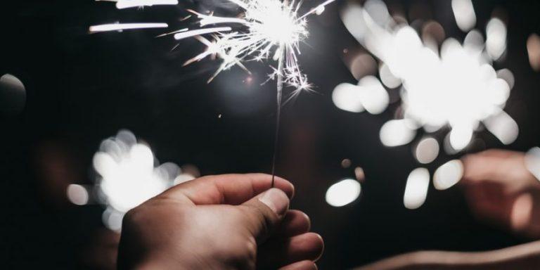 Cum rămâne cu petrecerile de Revelion? Facem sau nu facem?