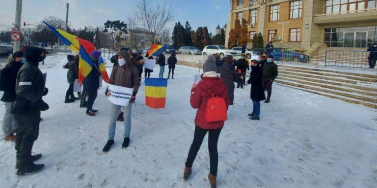 """Studenții protestează pentru drepturile lor: """"Deciziile luate distrag atenția asupra adevăratelor probleme!"""""""