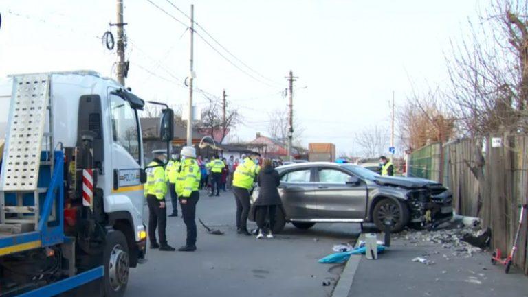 (VIDEO) Accident în București! Două fetițe aflate pe trotuar au murit strivite de mașină!