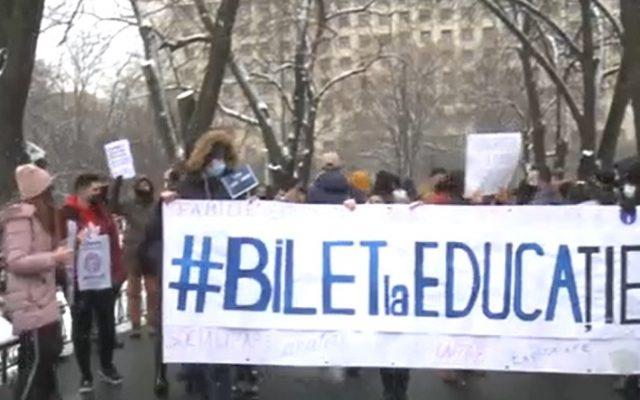 """""""Marşul Pomanagiilor Împotriva Neoliberalismului"""": Elevii şi studenții protestează!"""