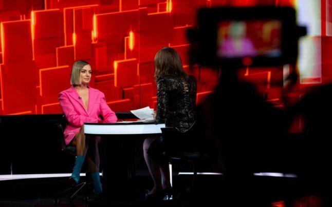 Alexandra Stan a recunoscut că este bisexuală la emisiunea Denisei Rifai de la Kanal D!
