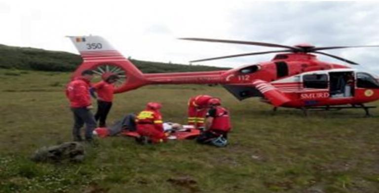 Elev rănit grav la școală, transferat la Iași cu un elicopter SMURD!