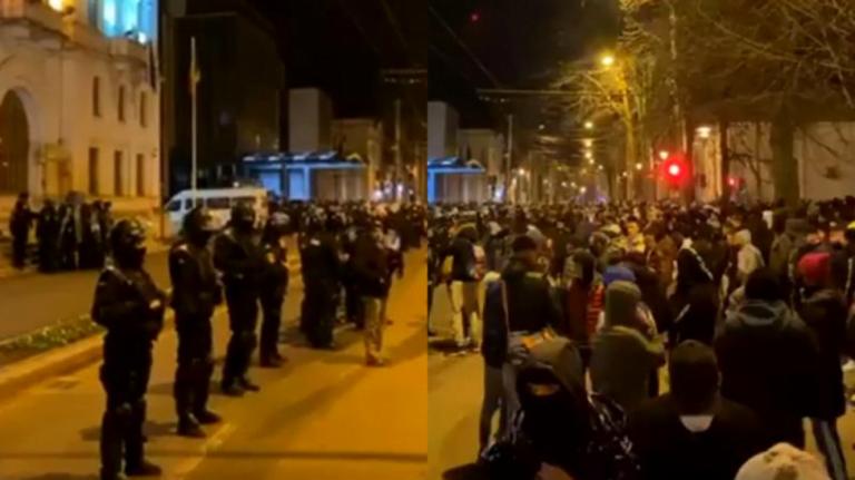 (VIDEO) Motivul pentru care protestatarii au fost gazați!