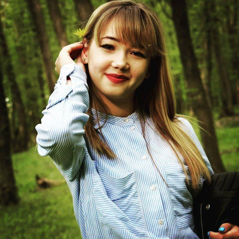 O tânără de 17 ani din Botoșani, a pierdut lupta cu o boală cumplită!