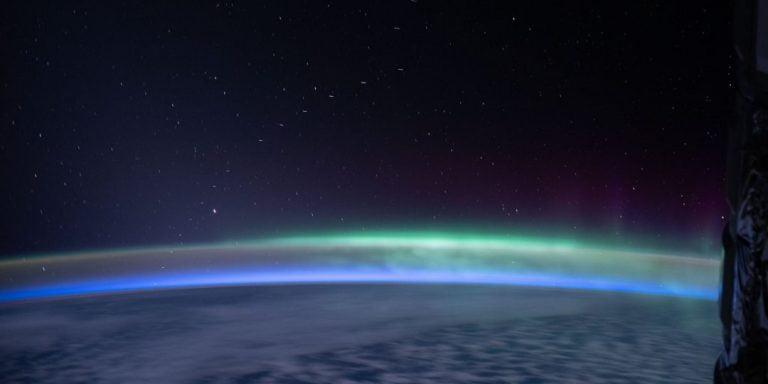 Ce s-ar întâmpla dacă deșeurile spațiale și schimbările climatice ar deveni aceeași problemă?