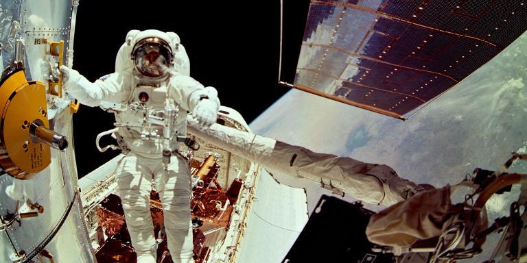 NASA încearcă să remedieze problemele telescopului spațial Hubble