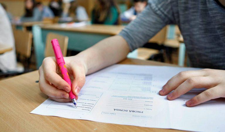 """Cîmpeanu: """"Îmi place să cred că profesorii care au avut erori mari de evaluare nu vor mai corecta niciodată"""""""
