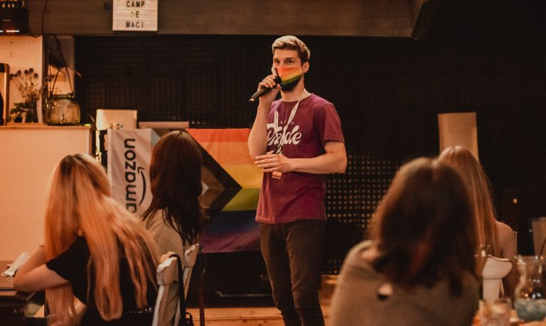"""(INTERVIU) Rise OUT, despre Marșul Iași Pride 2021: """"S-a încercat să ni se pună piedici și, din câte poți vedea, în continuare e această rezistență!"""""""